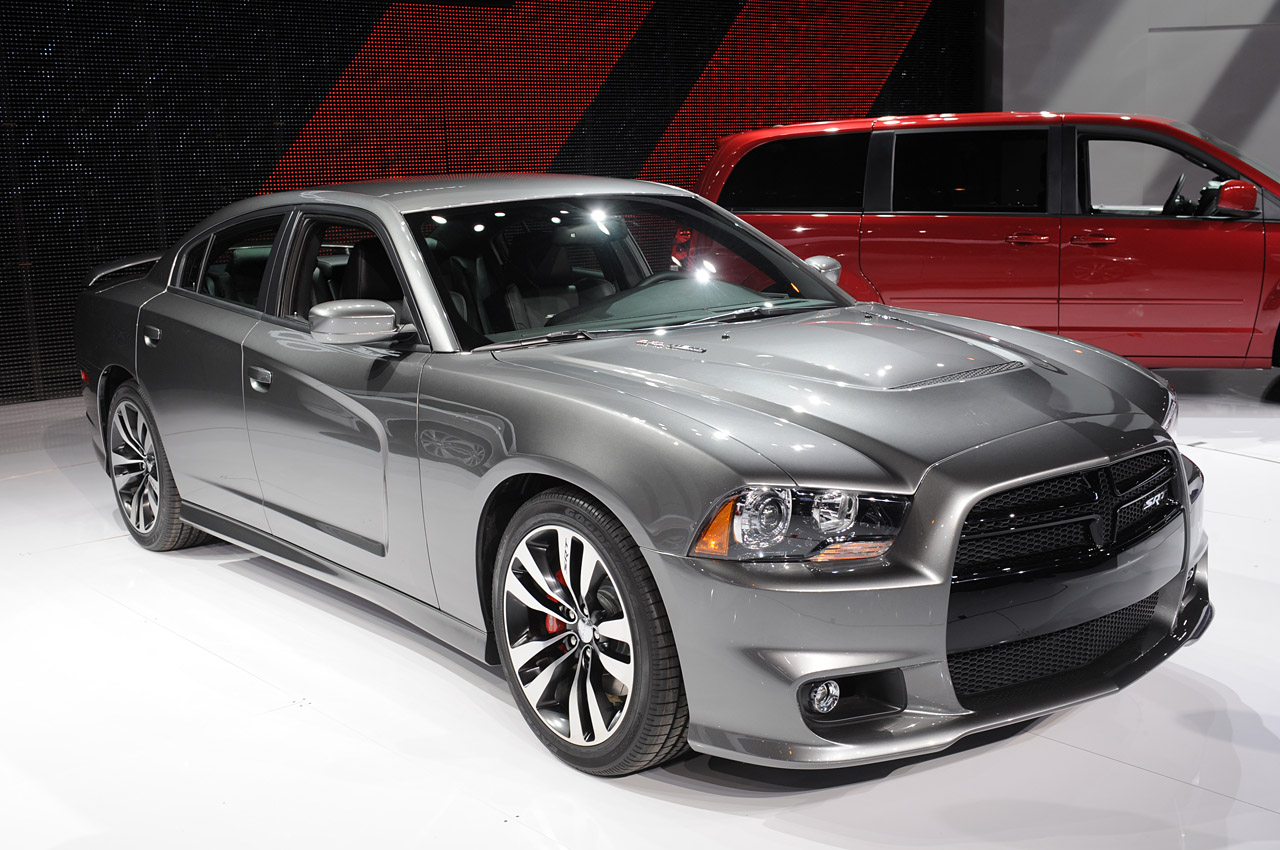 2012-dodge-charger-srt8-20