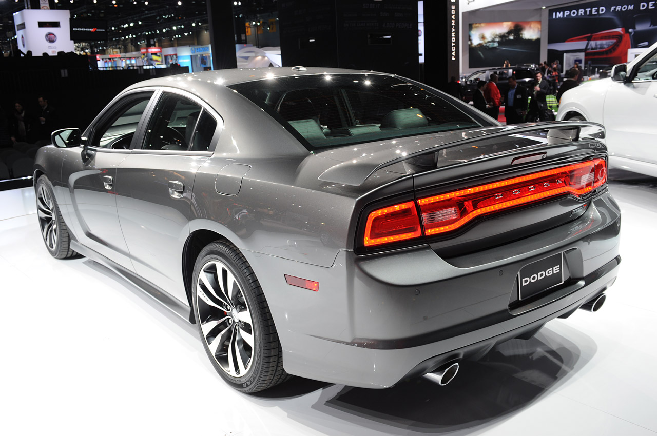 2012-dodge-charger-srt8-21