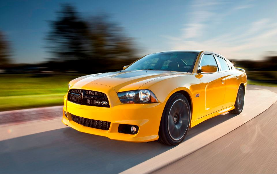 dodge quarter front charger drive en rt above srt t r view first sxt awd three news trend motor