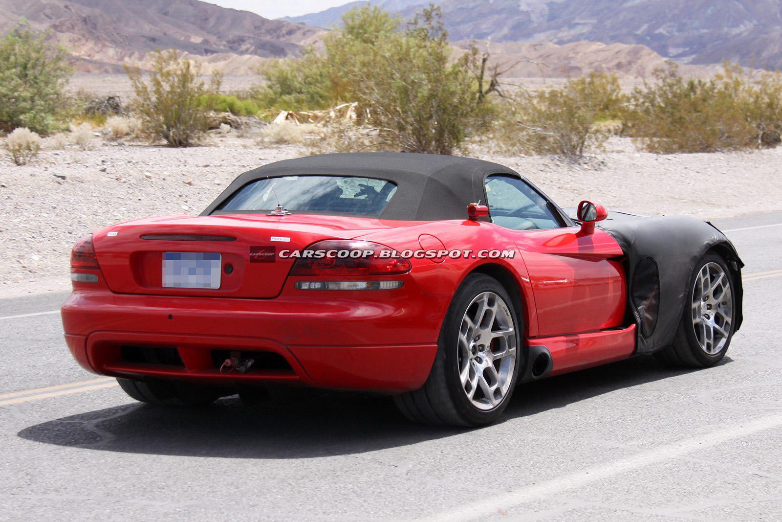 2013 Dodge Viper Spied again AmcarGuide