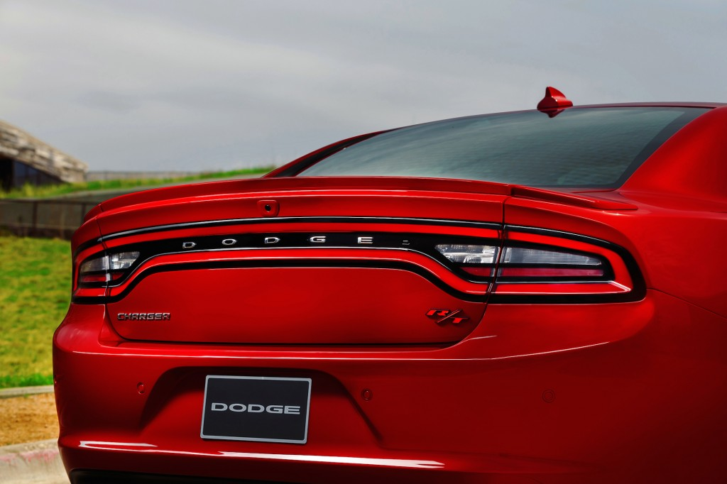 2015-dodge-charger-15