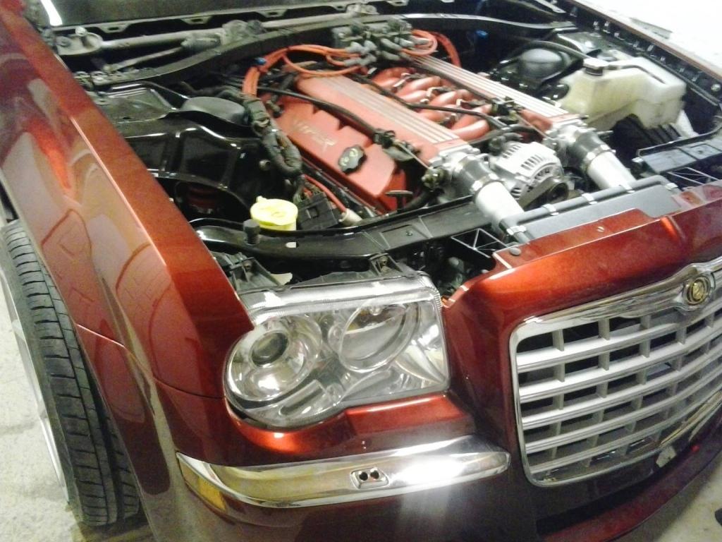 Chrysler 300c With A Viper V10 05 Jpg