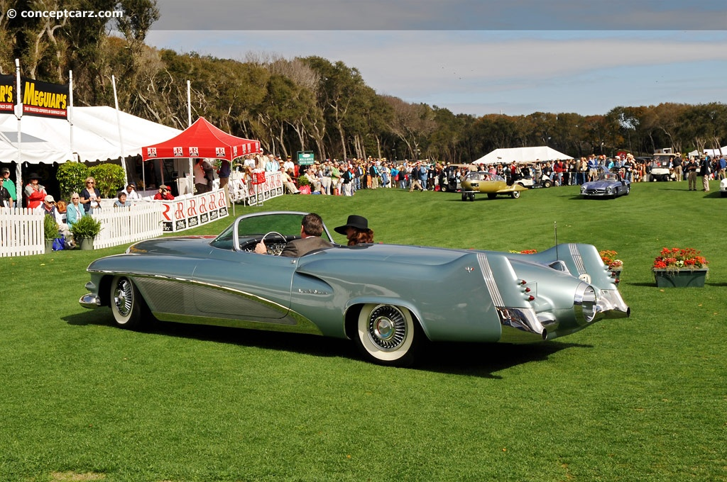 http://www.amcarguide.com/wp-content/gallery/buick-lesabre-concept/2-1951-harley-earl-buick-le-sabre-concept-car-1950.jpg