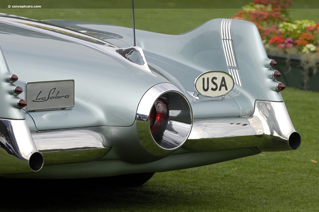 http://www.amcarguide.com/wp-content/gallery/buick-lesabre-concept/3-1951-harley-earl-buick-le-sabre-concept-car-1950.jpg