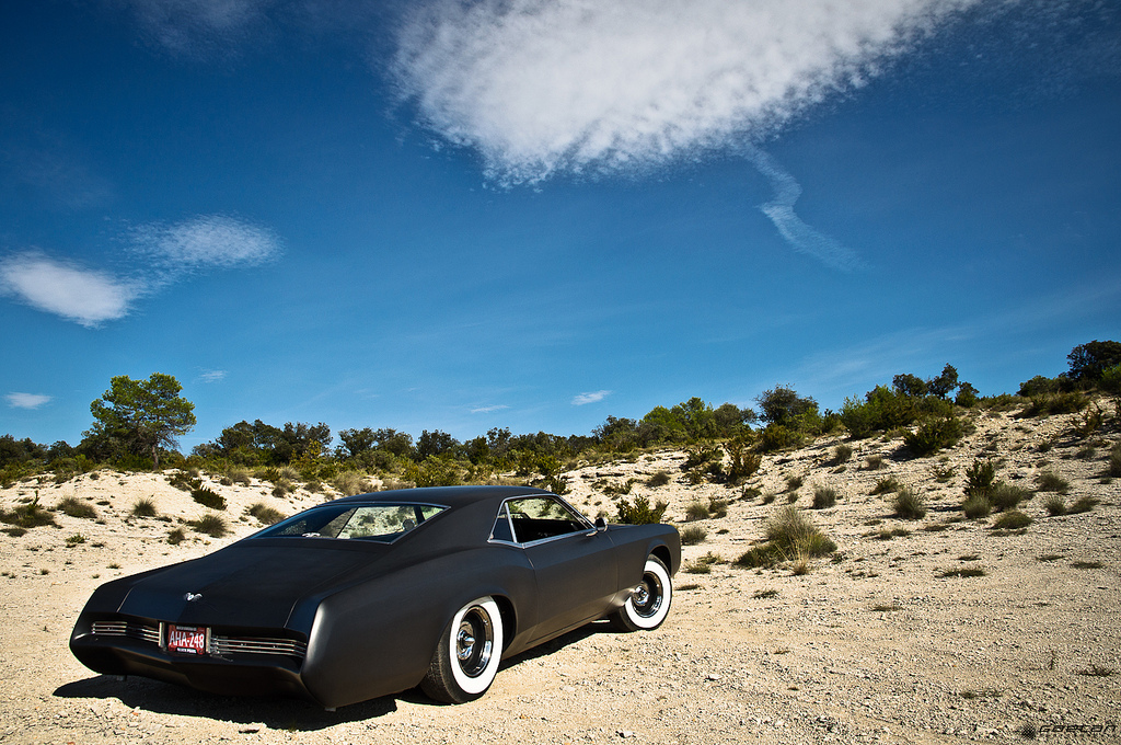 custom-1966-buick-riviera-grand-sport-02