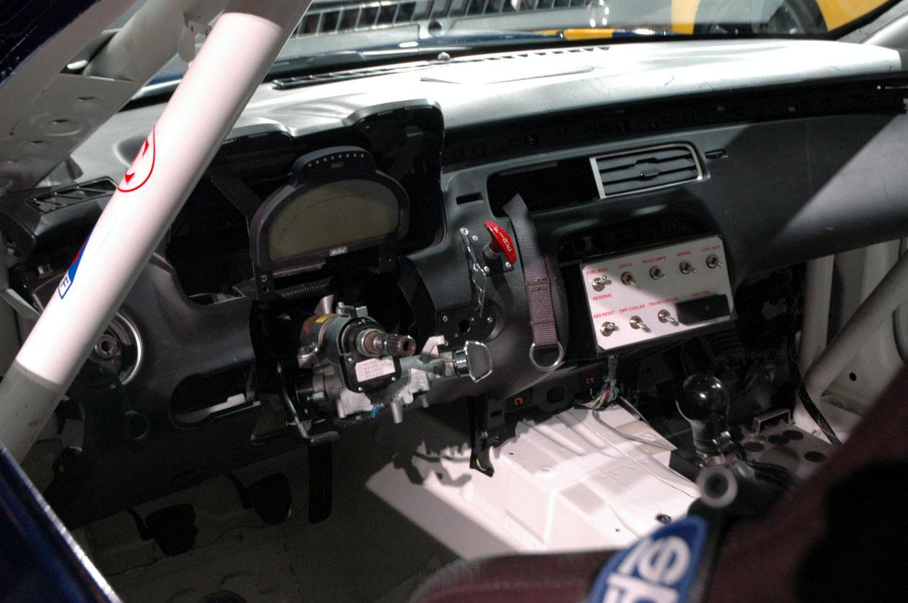 Chevrolet Camaro Gs Racecar Concept Interior on 2011 Chevy Camaro Engine