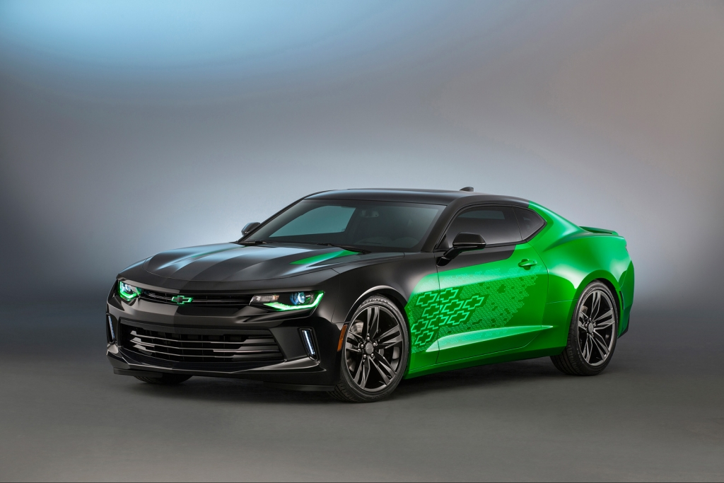 4 Custom Camaros That Chevy Brought To 2015 Sema Amcarguide Com American Muscle Car Guide