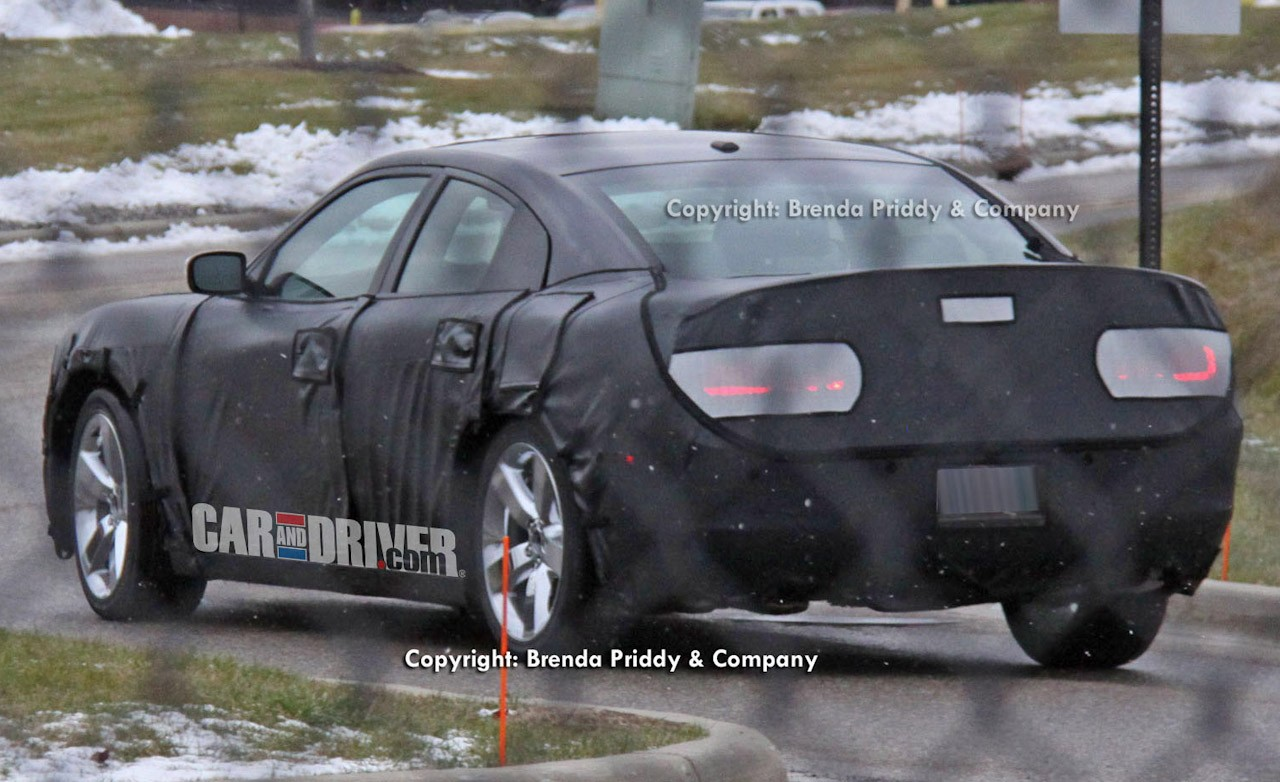 Home » 2015 Dodge Charger Spy Shots