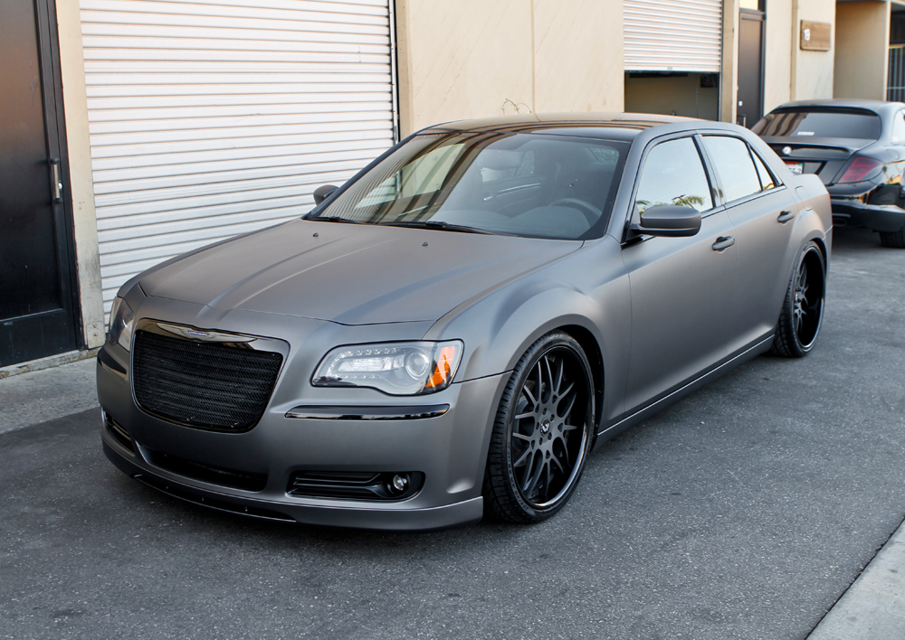 image gallery custom 2014 chrysler 300. Black Bedroom Furniture Sets. Home Design Ideas