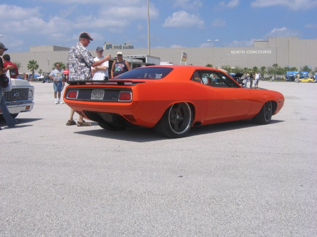 Custom Gforce Plymouth Barracuda on 1971 Hemi Cuda Engine