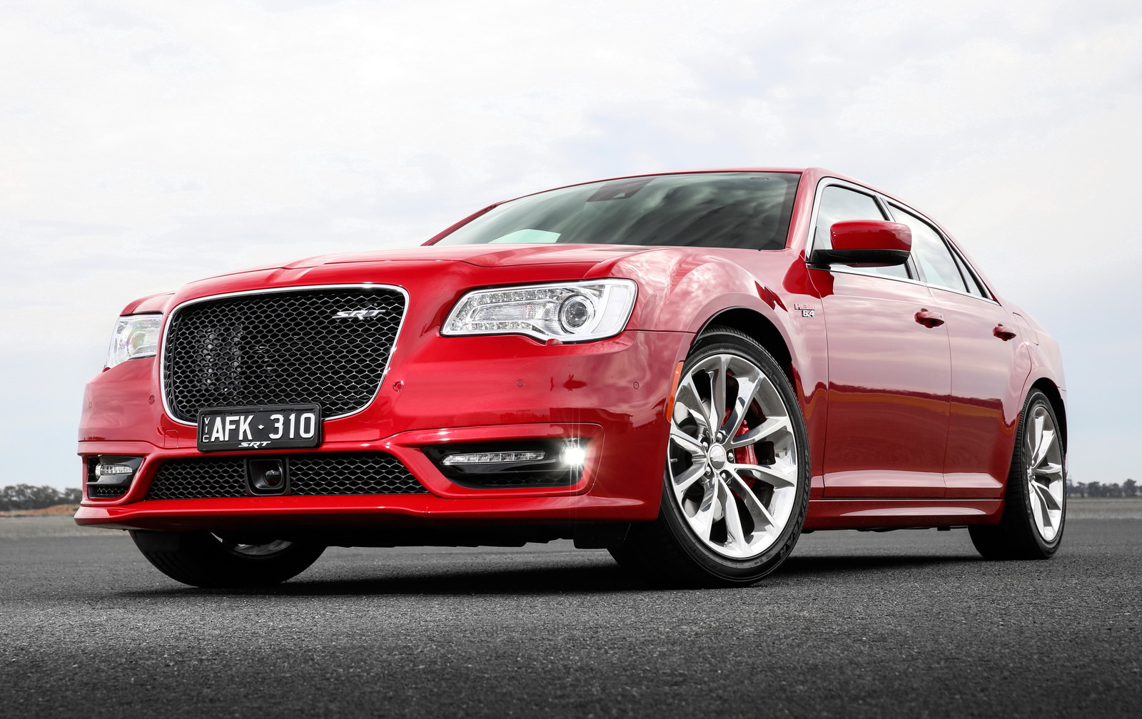facelifted chrysler 300 srt is still not available in the us american muscle. Black Bedroom Furniture Sets. Home Design Ideas