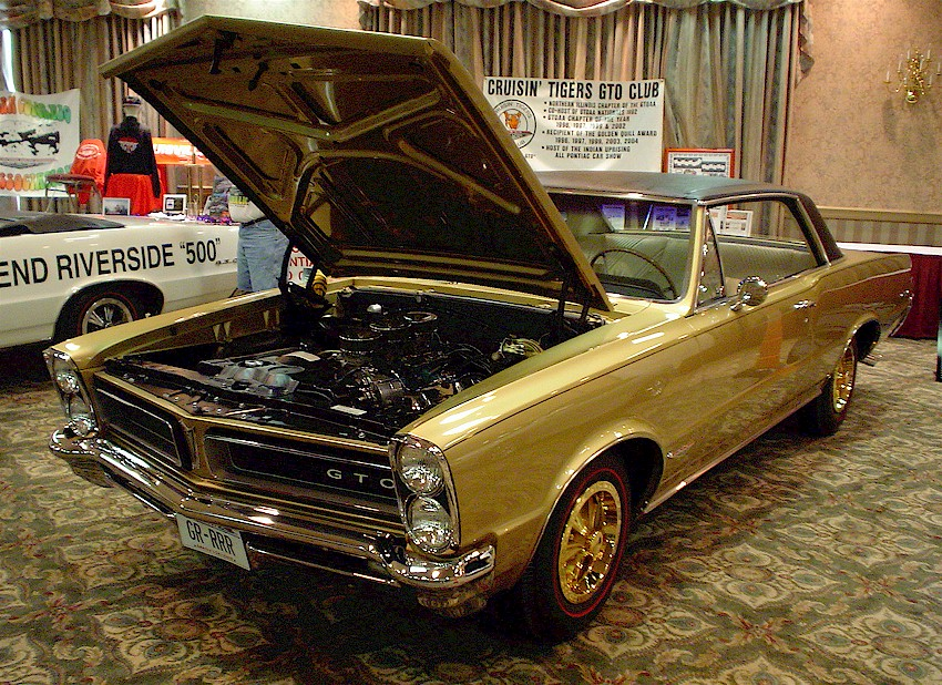 Die-cast vehicles – maisto 1:18 scale 1965 pontiac gto (hurst.