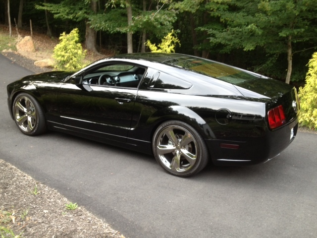 Black 2009 Mustang Lee Iacocca Amcarguide Com American Muscle