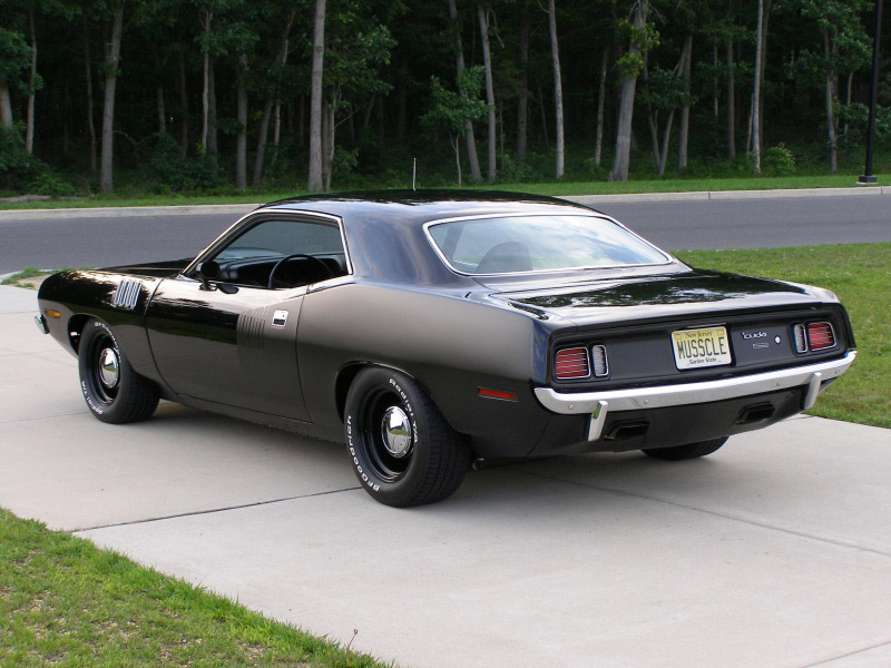 2015 Hemi Cuda http://www.amcarguide.com/muscle-cars/cuda-is-to-change-challenger/