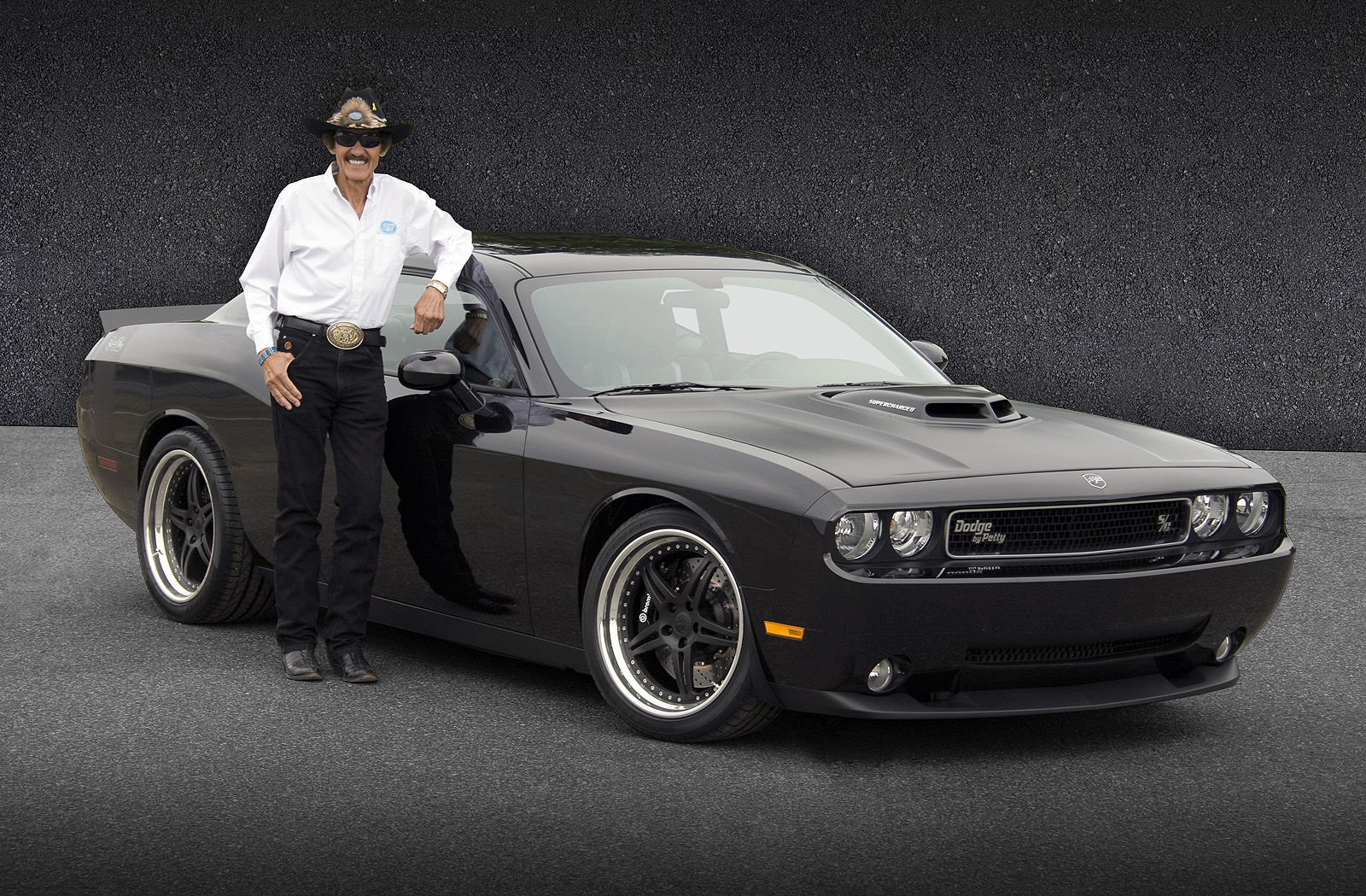 Dodge Challenger Petty Edition >> Richard Petty Signature Series Dodge Challenger   AmcarGuide.com - American muscle car guide