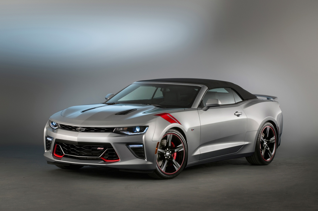 2016 chevrolet camaro ss black and red accent packages amcarguide. Black Bedroom Furniture Sets. Home Design Ideas
