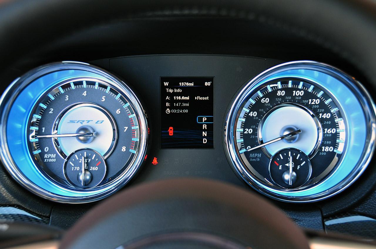 2012 chrysler 300 srt8 top speed