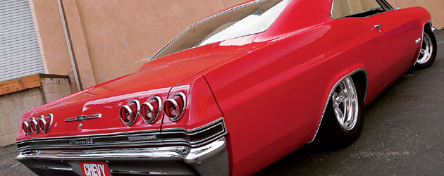 1965-chevrolet-Impala-SS-coupe-red-presentation-rear