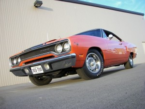 8--1970-Plymouth-road-runner-426-hemi-425-hp-4-speed