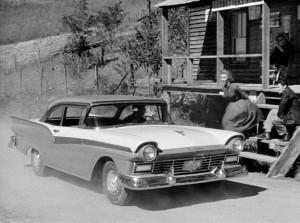 1957-ford-fairline-500-thunder-road