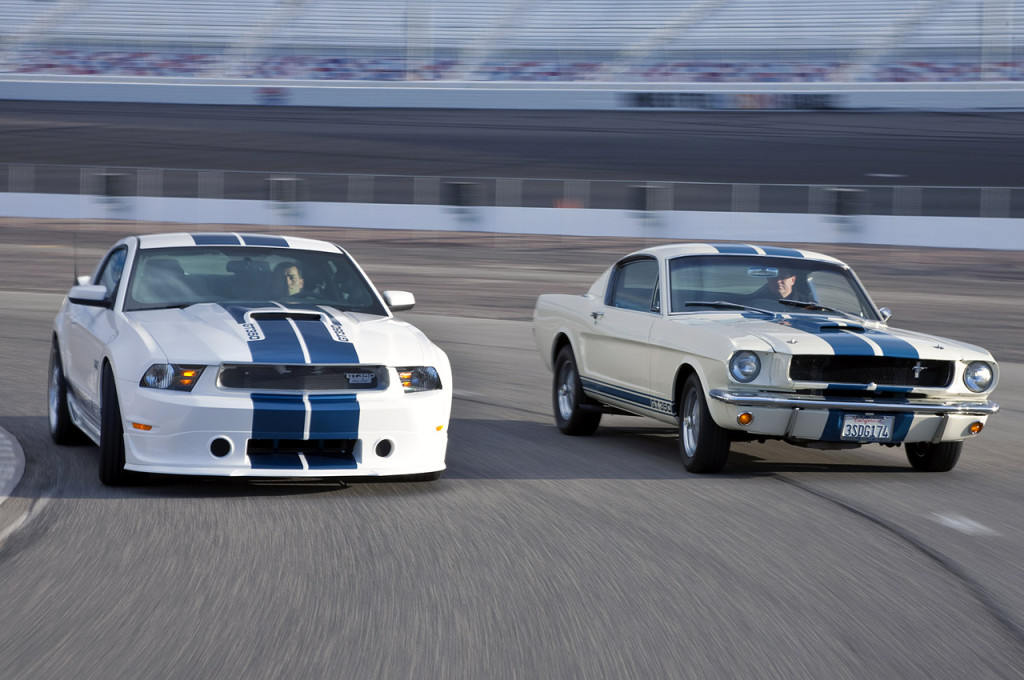 2011-form-mustang-shelby-GT350-both-2