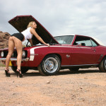 25-muscle-car-girls-camaro
