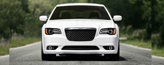 2012-chrysler-300-srt8-00